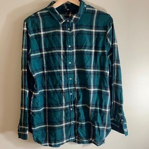 Y2K plaid shirt